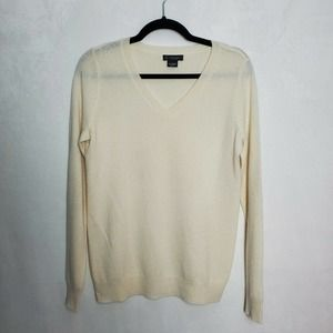 C By Bloomingdales cashmere V-Neck Sweater